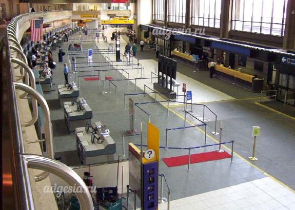 плитка в аэропорту приклеенная на клей Керафлекс Макси